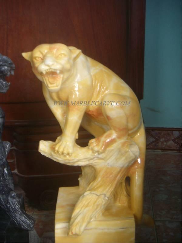 Panther lion statue sculpture