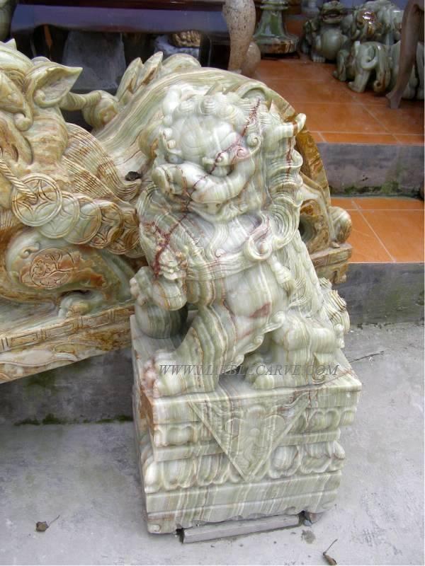 Onyx Foodog carving sculpture