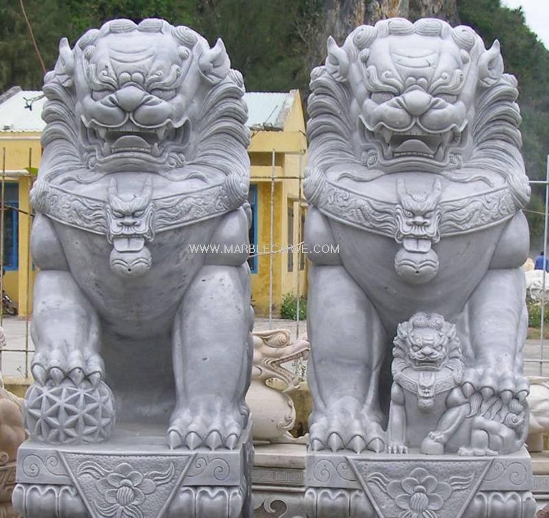 Exceptionnel Marble Fu Dog Statue