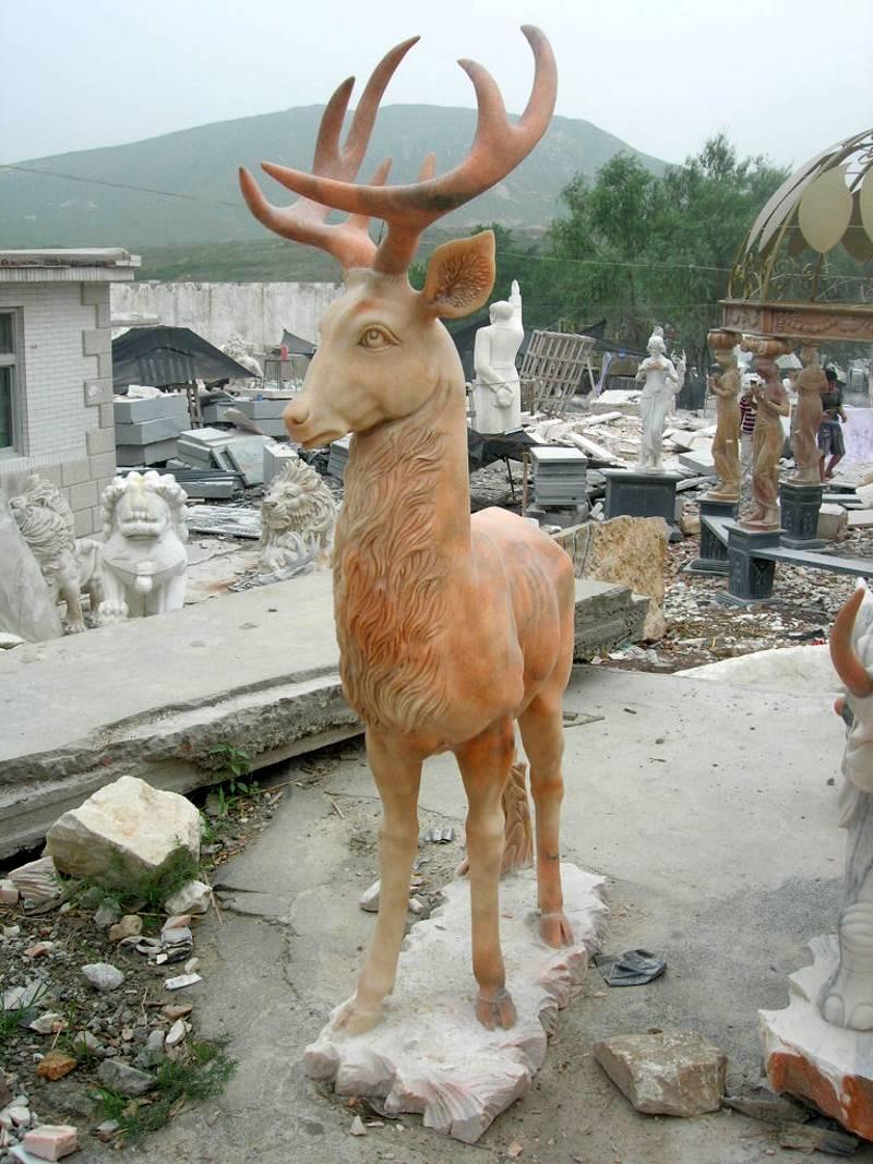 deer statue sculpture